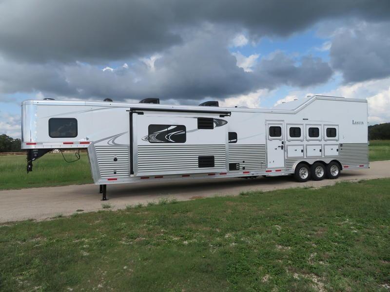 2019 Lakota Trailers Bighorn 4 Horse 19' Short Wall