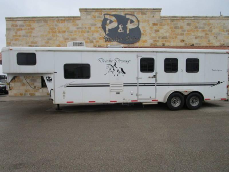 2007 Bison 3 Horse 10' Short Wall Trails Express