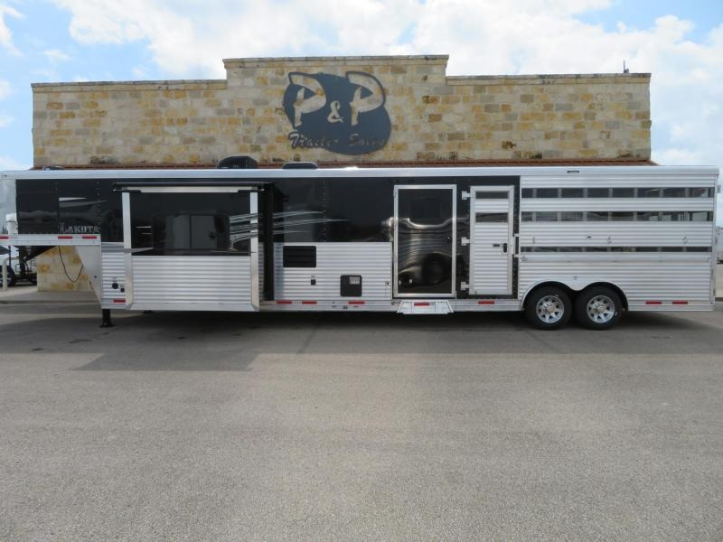 2020 Lakota LE81415SRPT 15 Short wall with 14 Stock Livestock Trailer