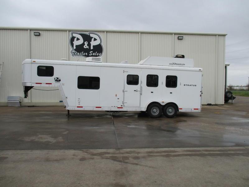 2012 Bison Stratus 380ML 3 Horse 8' Short Wall with Generator in Ashburn, VA