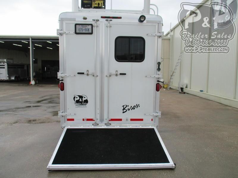 2012 Bison Trailers Stratus 380ML 3 Horse 8' Short Wall 3 Horse Slant Load Trailer 0 FT LQ w/ Ramps
