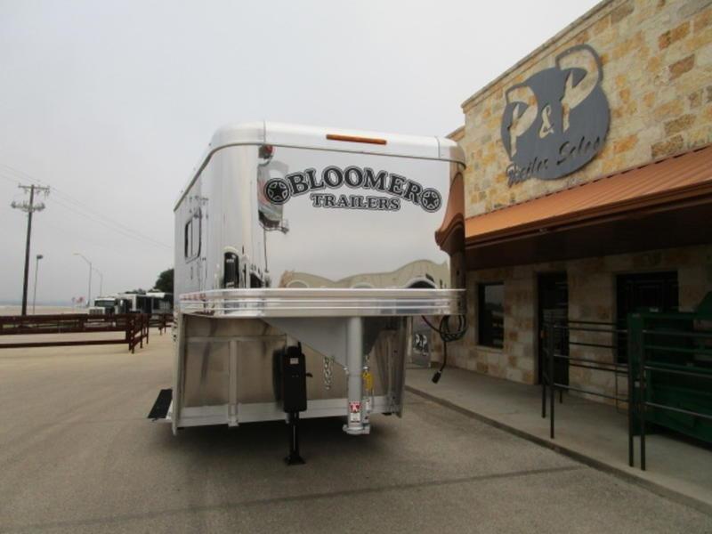 2020 Bloomer 6HT 6 Horse Trailer Slant