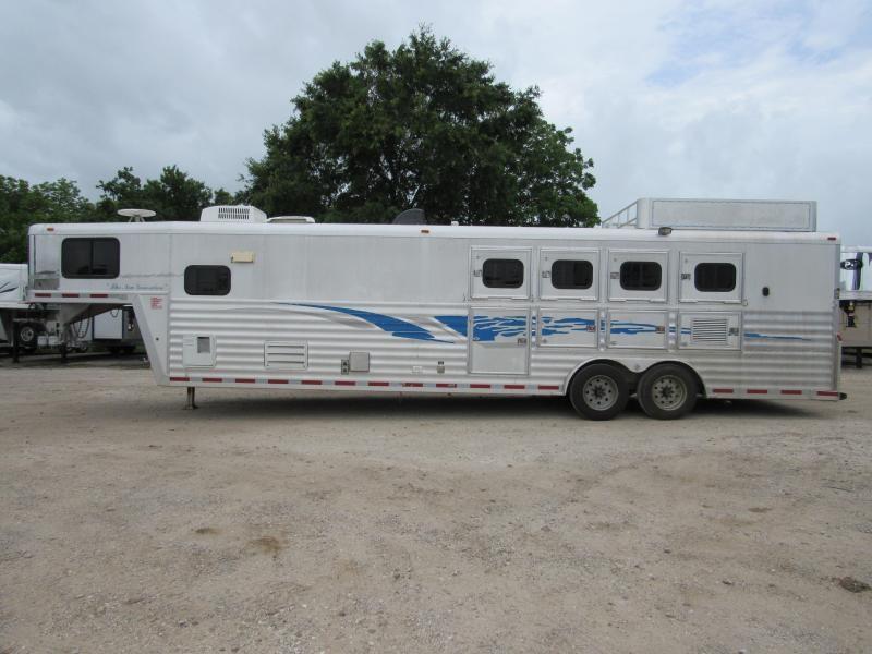 2003 Bloomer 8414 Horse Trailer in Ashburn, VA