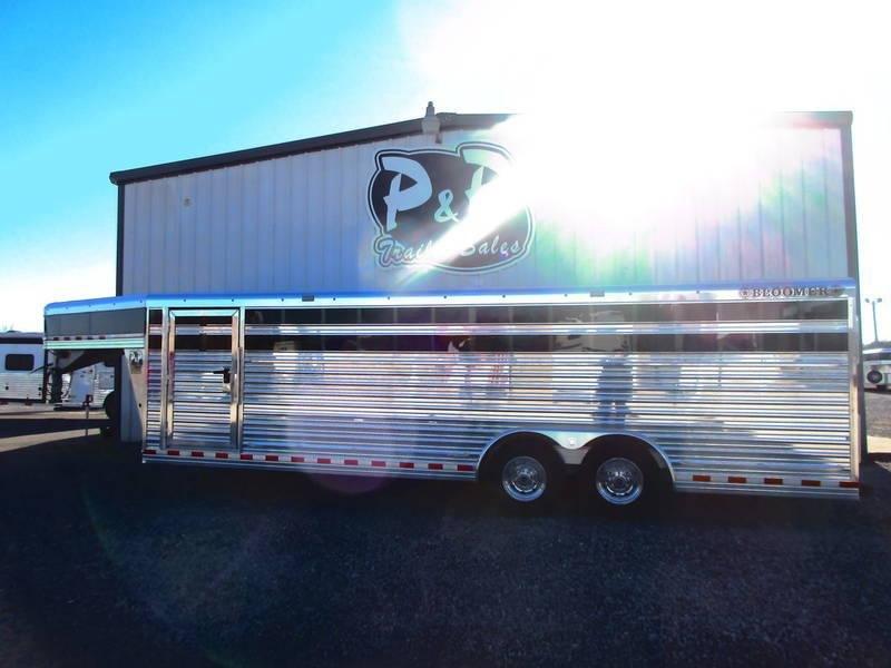 2018 Bloomer Trailers 24' X 8' V-Nose Stock in Ashburn, VA