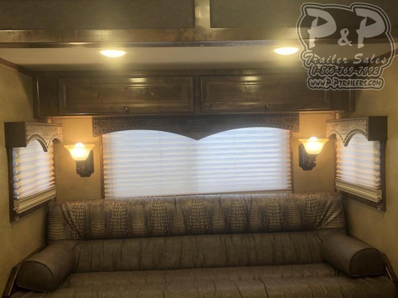 2019 Platinum Coach  8515PCOL  5H 15' LQ