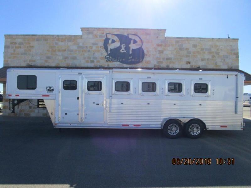 2018 Lakota Trailers 5 Horse Super Tack