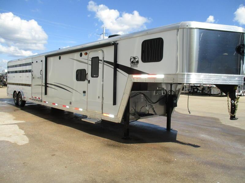 2019 Bison 8011LDSTLT 16' Stock w/Mid Tack 11' Short Wall w/Slide-Out