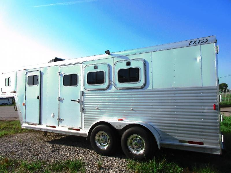2002 Exiss Trailers Horse Trailer model 306