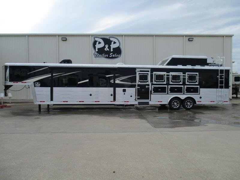 2019 Bison 8417 PRRSL Premiere  4 Horse 17' Short Wall With Generator
