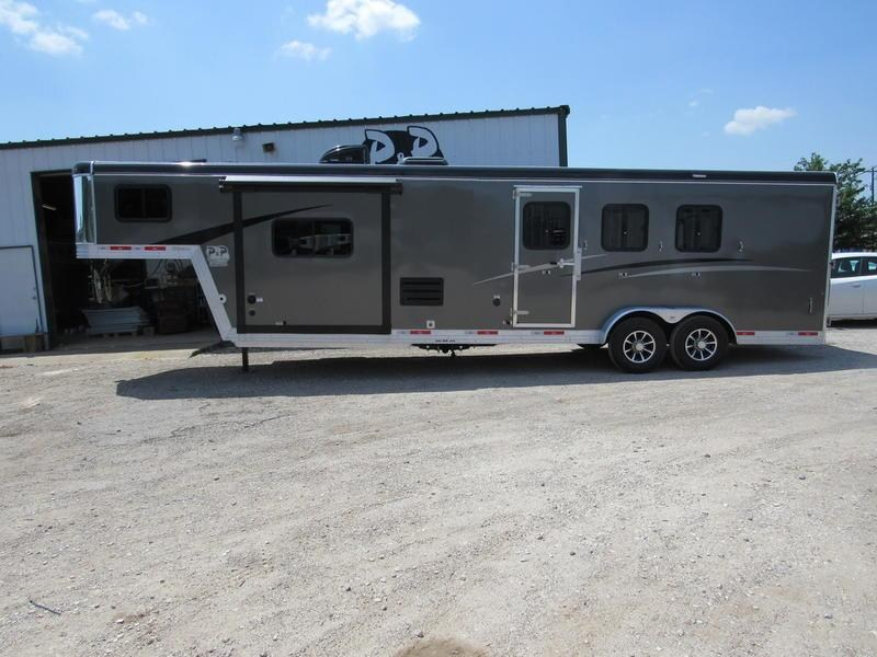2019 Bison Trail Boss 3 Horse 11' Short Wall w/ Slide-Out in Ashburn, VA