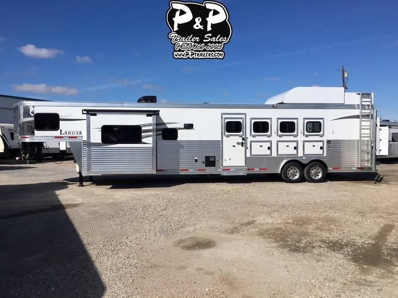 2018 Lakota Trailers Charger 4 Horse Slant with 15' Short Wall