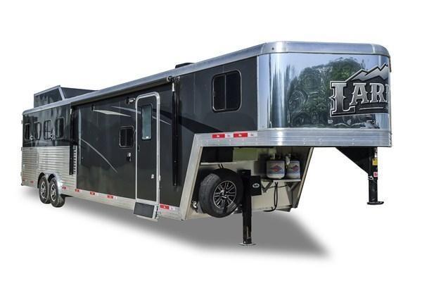 2019 Bison Trailers Laredo 8316LDBL 3 Horse 16 LQ Horse Trailer Slant