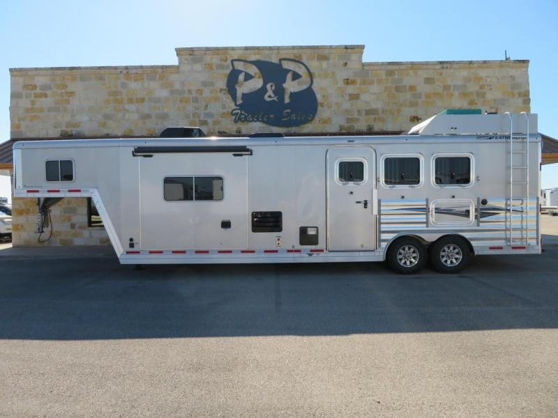 2016 Featherlite 3 Horse 13 Short wall 3 Horse Trailer 13 LQ With Slides Slant