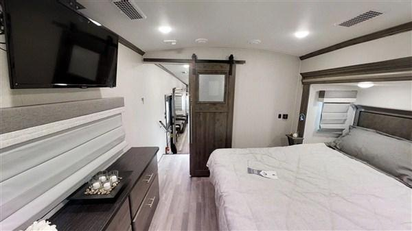 2019 Forest River Cardinal 3250RLX 34.92' Fifth Wheel Campers RV LQ