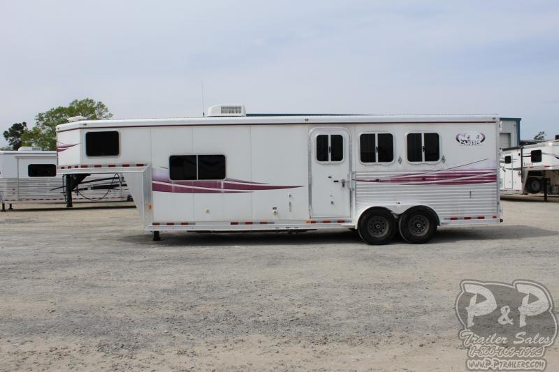2008 Lakota C310 Charger 3 Horse 10 Short wall 3 Horse Horse Trailer Slant