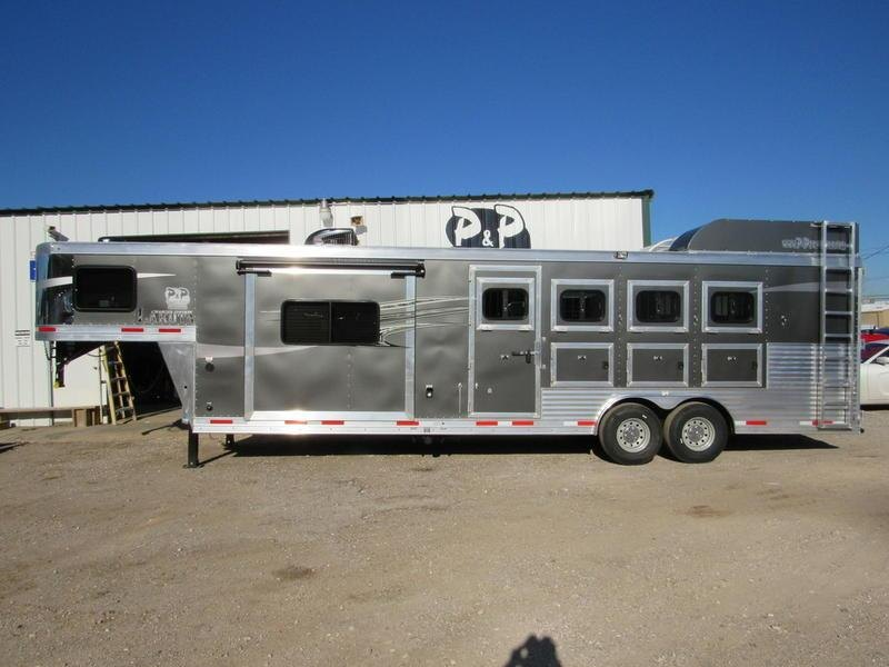 2019 Lakota Trailers Charger 4 Horse 11' Living Quarter w/Slide-Out
