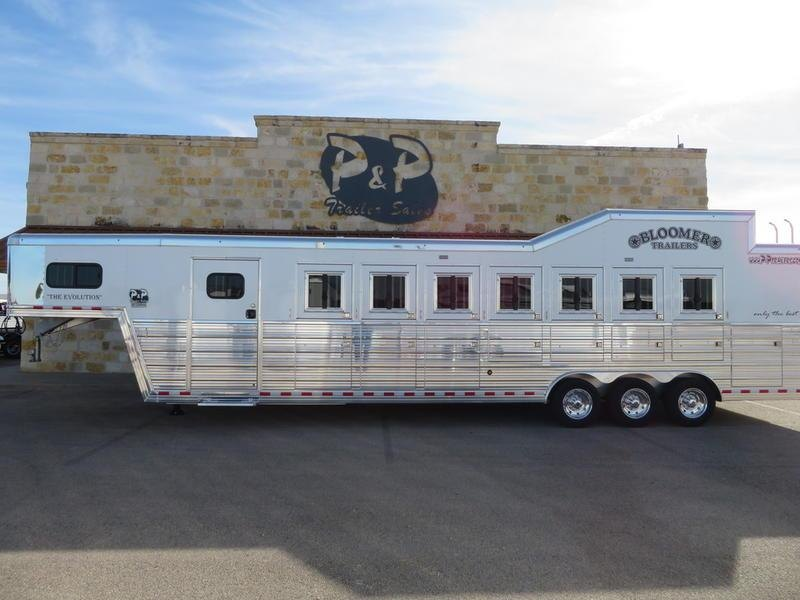 2019 Bloomer Trailers 7 Horse Trainer
