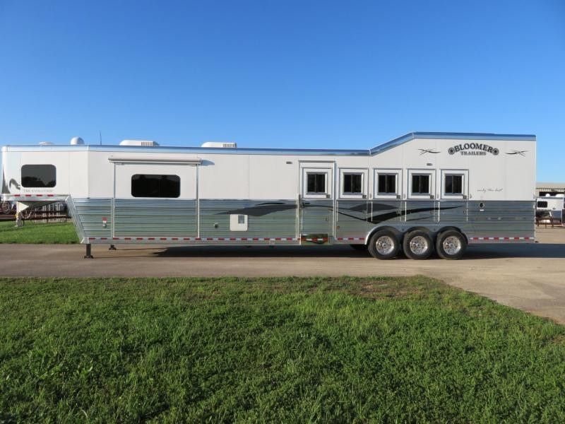 2019 Bloomer Trailers 8518PC 5 Horse 18' Short wall in Ashburn, VA