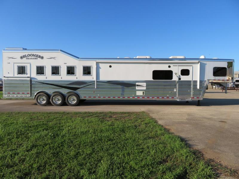 2019 Bloomer Trailers 8518PC 5 Horse 18' Short wall
