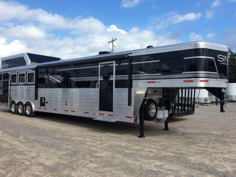 2019 SMC Trailers 8 WIDE 16' LQ SL8416SSRRSL Horse Trailer