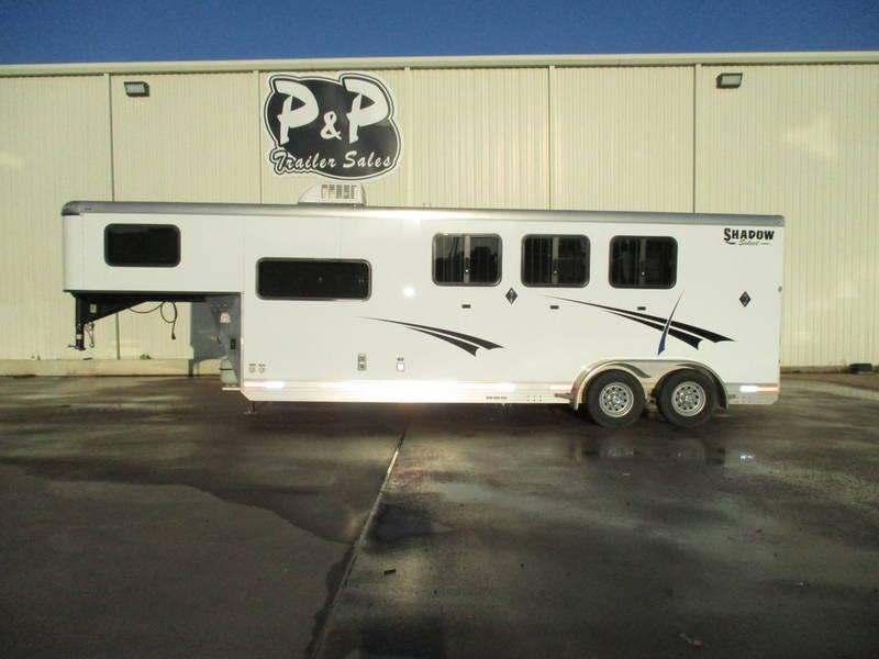 2014 P and P Trailer 3 Horse 7' Short Wall