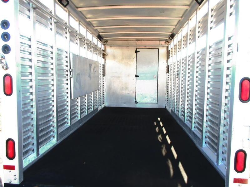 2002 Sundowner Trailers 7008 Stock Combo
