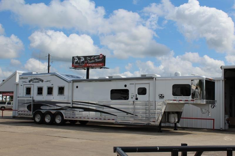 2019 Bloomer 8417 4 Horse Trailer 17 LQ With Slides Slant