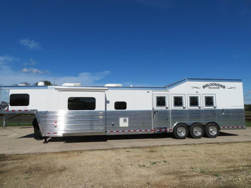 2019 Bloomer Trailers 4H 17ft Short Wall