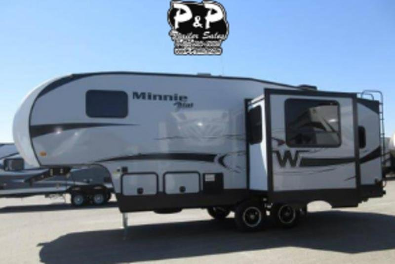 2018 Winnebago Minnie Plus 25RKS 27.25' Fifth Wheel Campers