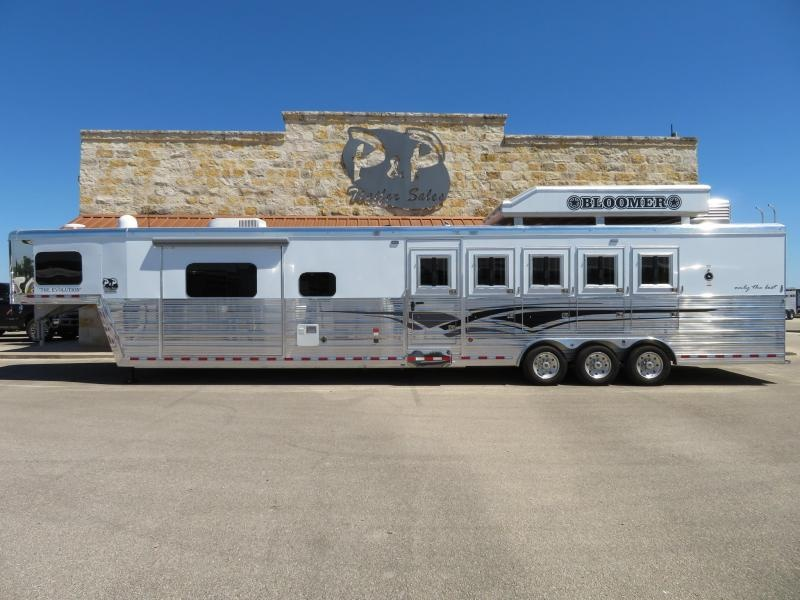 """2019 Bloomer Trailers 5 Horse 15'10"""" Short Wall"""