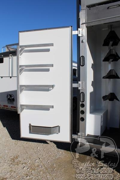 2019 Lakota Bighorn Edition BH8418TCE 4 Horse Trailer 18 LQ With Slides Slant