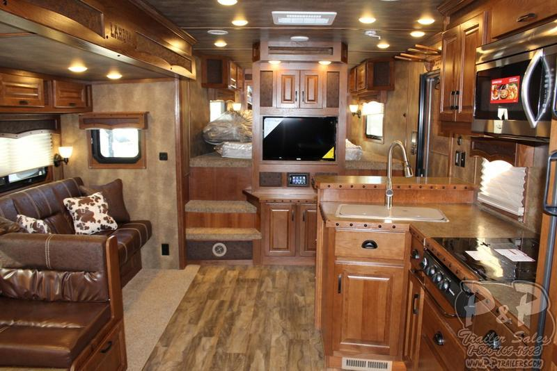 2019 Lakota Trailers Bighorn Edition BH8418TCE 4 Horse w/ 18' Shortwall