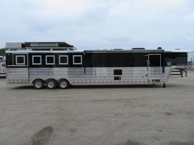 2019 Bloomer 5 Horse 1510 5 Horse Trailer 16 LQ With Slides Slant
