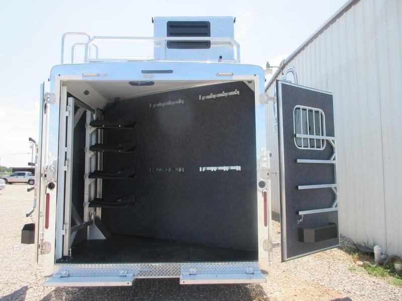 2020 Bison Trailers Ranger 8417RGLBHRSL 4 Horse 17 Shortwall With Bunk Room 4 Horse Trailer 0 LQ With Slides Slant