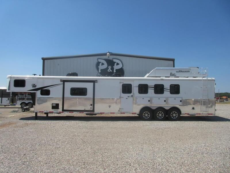 2020 Bison Trailers Ranger 8417RGLBHRSL 4 Horse 17 Shortwall With Bunk Room 4 Horse Trailer 0 LQ With Slides Slant