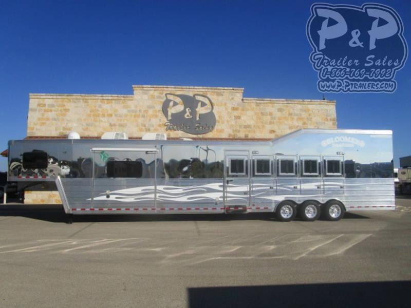 Custom Trailers   P and P Sales Horse Trailers For Sale in