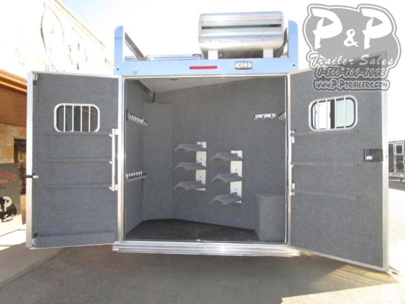 2013 Bloomer 5 Horse 17'5 5 Horse Slant Load Trailer 17.5 LQ With Slides w/ Ramps