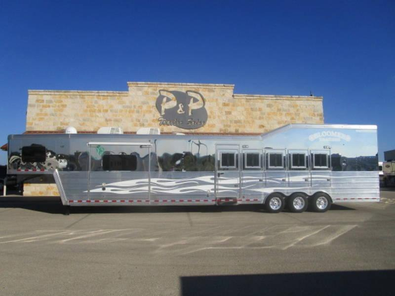 2013 Bloomer Trailers 5 Horse 17'5