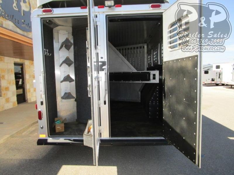 2014 Platinum Coach Trailers 4 Horse 15' Short Wall with Slide Out