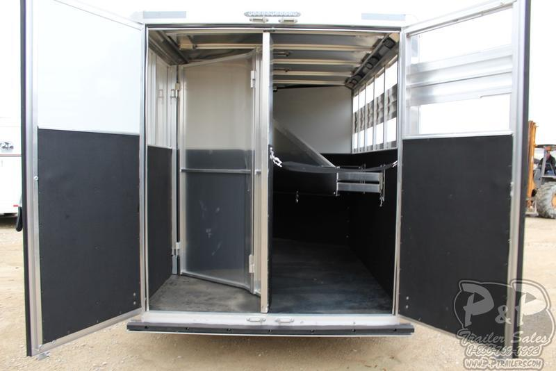 """2019 CM Trailers Renegade 3-Horse 16 ft. 6' 8"""" W 7' T"""