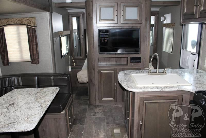 2018 Keystone Passport Grand Touring 2400BH 27.83' Travel Trailer LQ