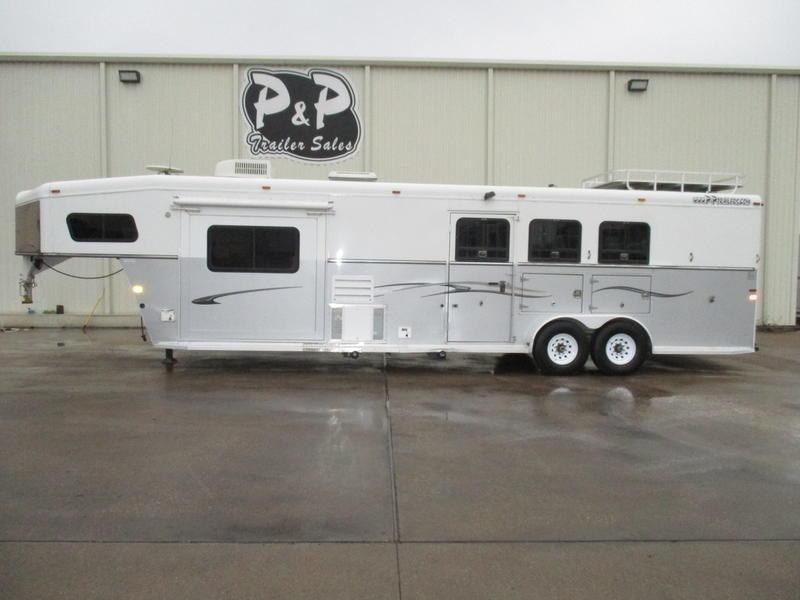 2005 Trails West 3 Horse 13' Short Wall w/Slide-Out & Bunk Beds