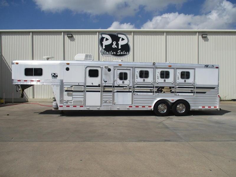 2003 4-Star Trailers 4 Horse 8' Short Wall