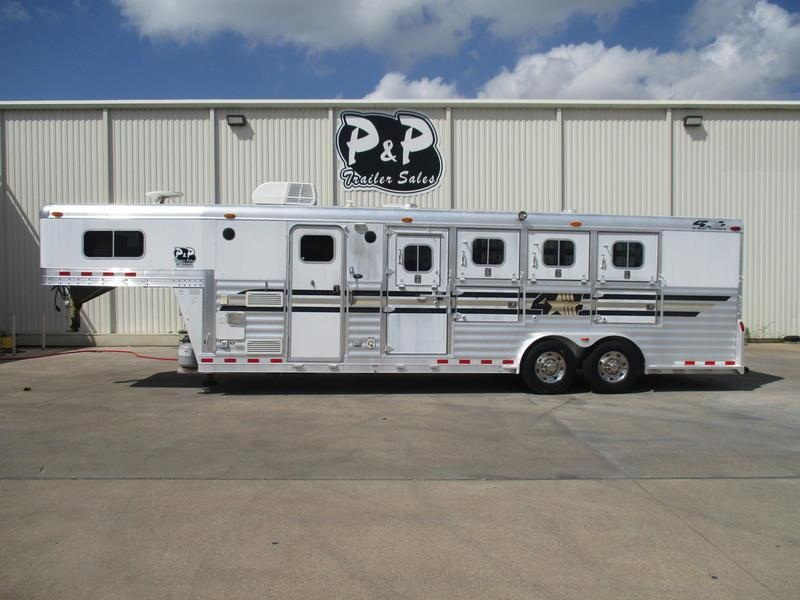 2003 4-Star Trailers 4 Horse 8' Short Wall in Ashburn, VA