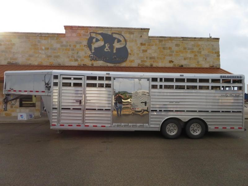 2018 Bloomer 8x24STGN 24' Livestock Trailer in Ashburn, VA