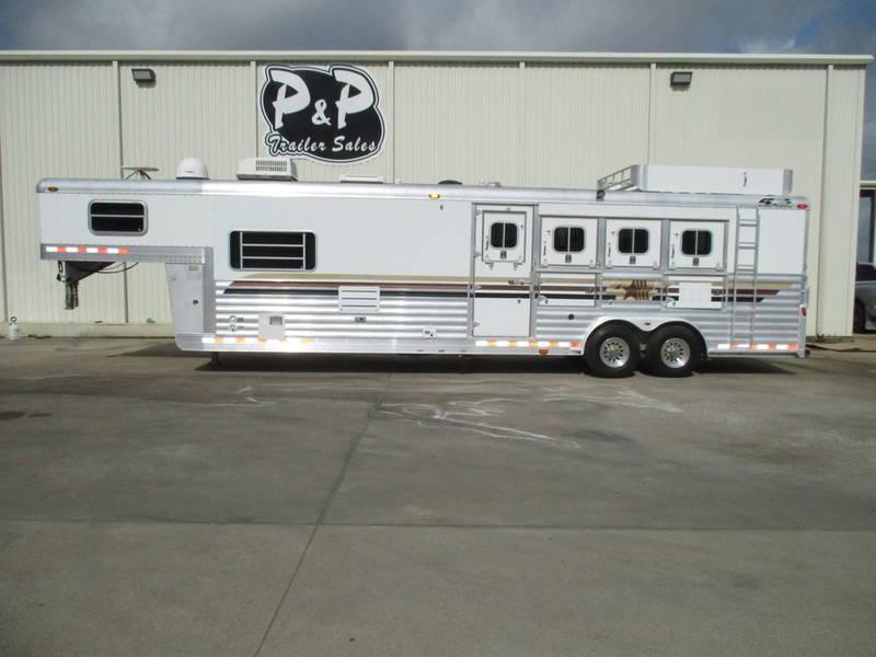 "2003 4-Star Trailers 4 Star 4 Horse 14'8"" Short Wall"