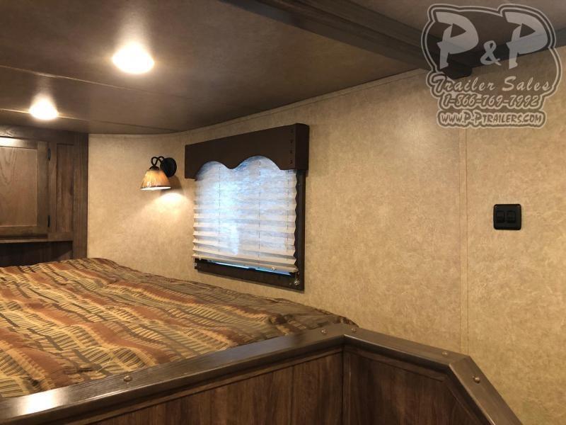 2020 Lakota LE81611 34.5 ft Livestock Trailer LQ