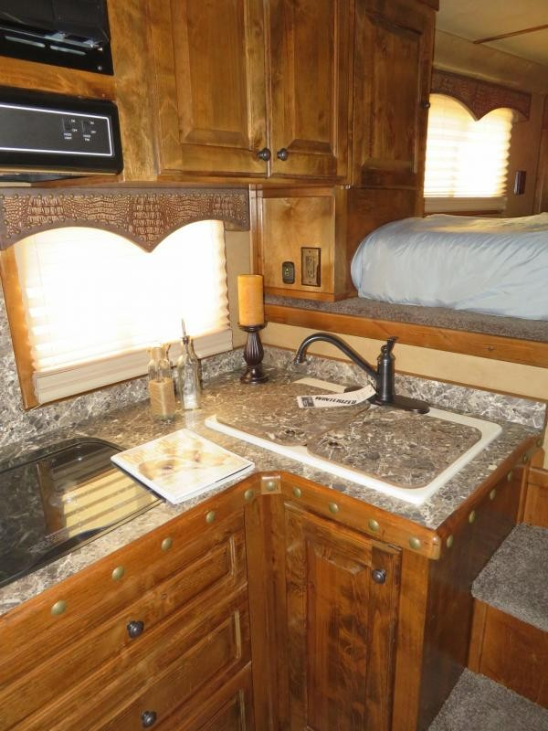 2018 4-Star Trailers 4 Horse 15'4
