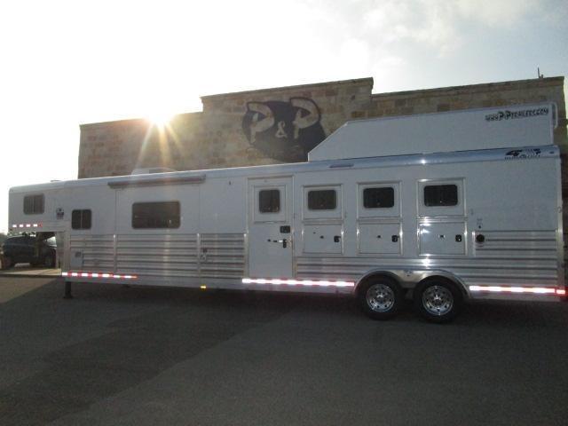 2018 4-Star Trailers 4 Horse 15'4 in Ashburn, VA