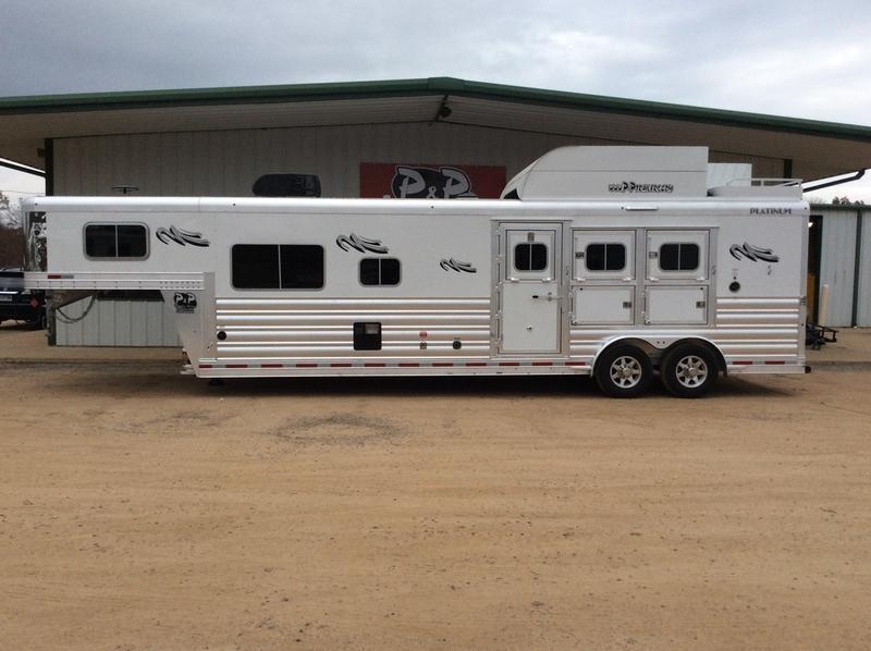 2019 Platinum Coach 2019 Platinum Coach 8313OL 3H w/ 13 LQ 3 Horse 0 LQ Horse Trailer Slant